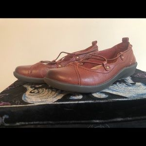 *Earth Origins* Sz 7.5 Leather Laced Ballet Flats